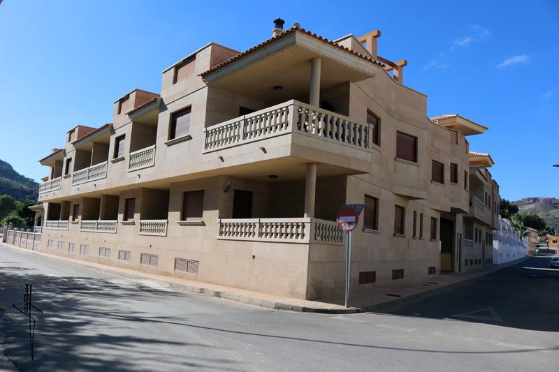 Edificio construido en piedra en la región de Murcia