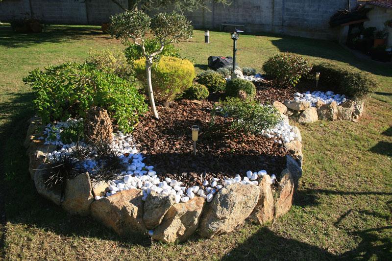 dividir-jardin-con-piedra