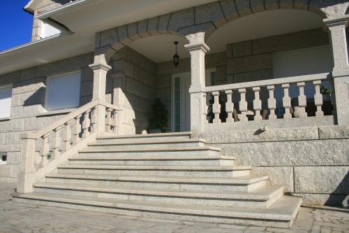 Casa de piedra color blanco ibérico (11)