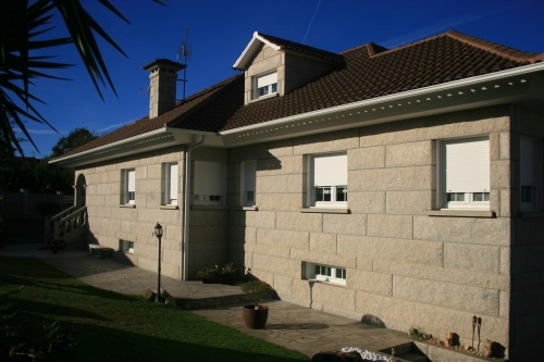Casa de piedra color blanco ibérico (16)