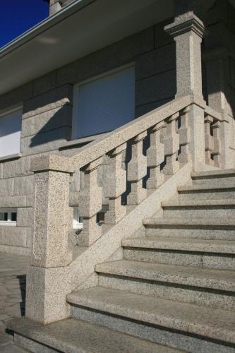Casa de piedra color blanco ibérico (5)