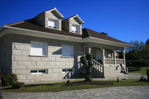 Casa de piedra color blanco ibérico (6)