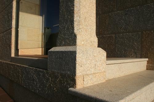 Vivienda construida con piedra país (8)